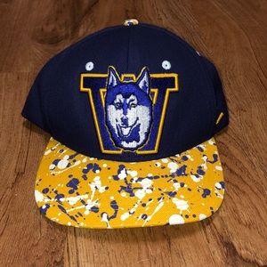 Washington Huskies SnapBack Hat
